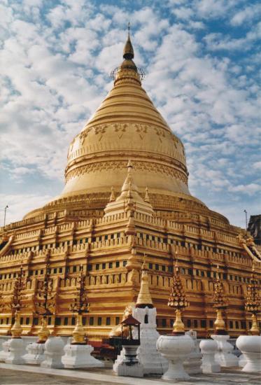 BAGAN : la pagode SHWEZIGON