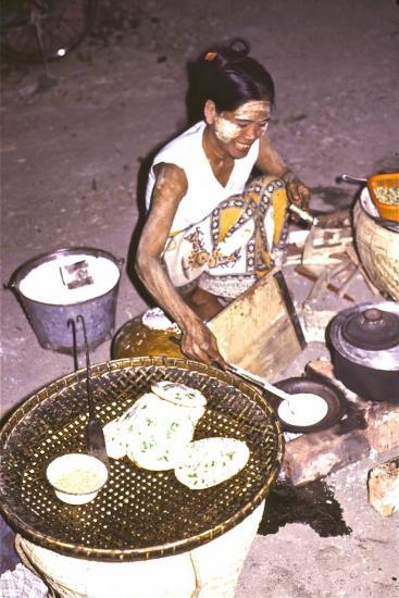Vendeuse de crêpes à Mandalay
