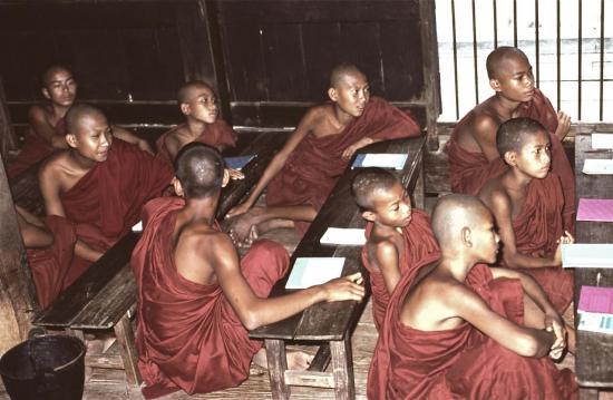 INWA (AVA) : le monastère Bagaya Kyaung