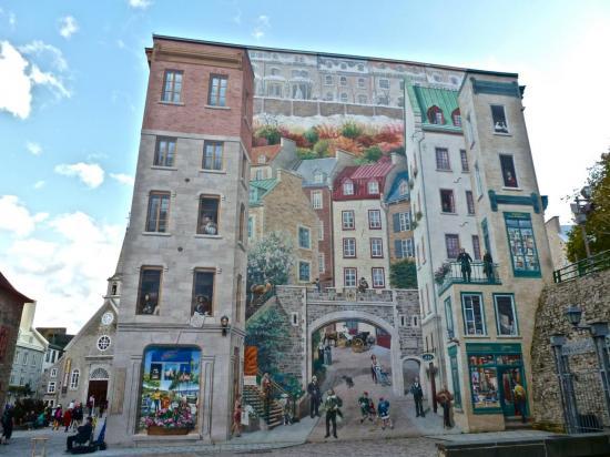 CANADA : ville de QUÉBEC : la fresque des Québécois