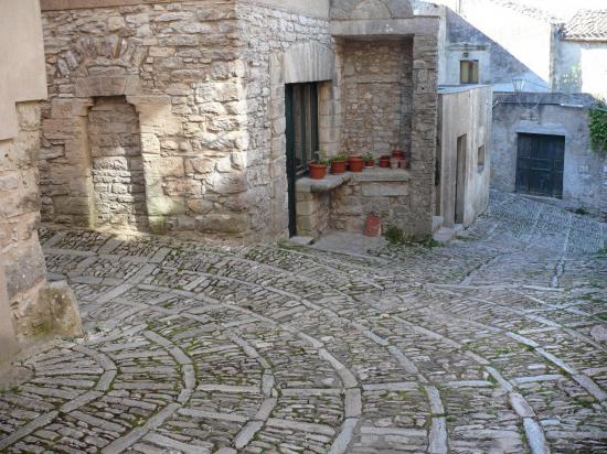 ERICE : charmant village sur un éperon rocheux