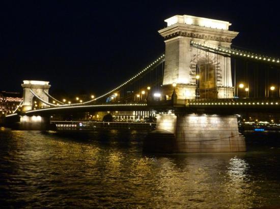 Le fameux Pont des Chaines