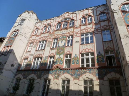 Une école primaire Art Nouveau
