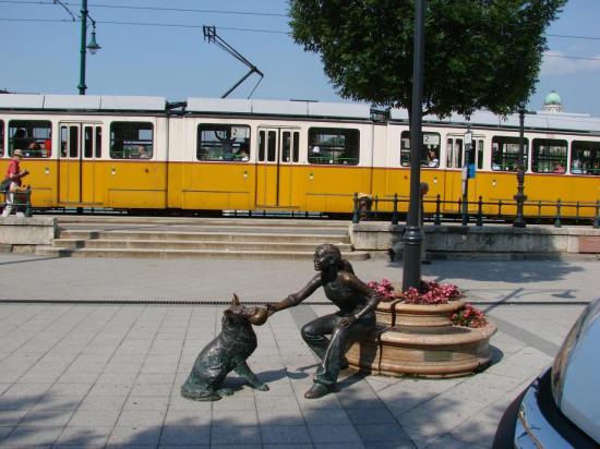 Une des nombreuses statues de rue
