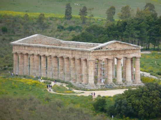 SEGESTE : le temple est très bien conservé