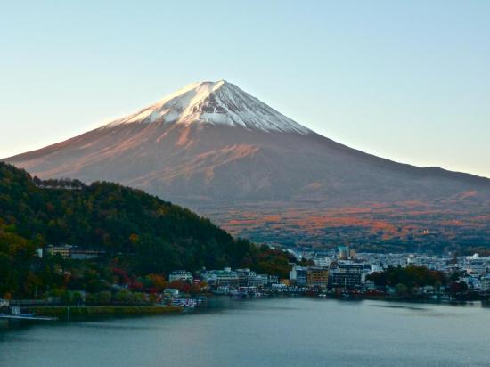 Le Mont FUJI à 06h22 - le soleil se lève vite.