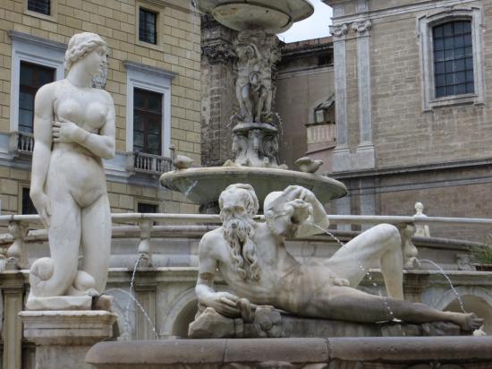 PALERME : la fontaine PRETORIA