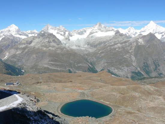 Plusieurs sommets de plus de 4 000 mètres