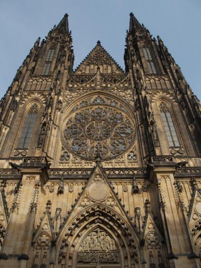 Façade de la cathédrale Saint-Guy