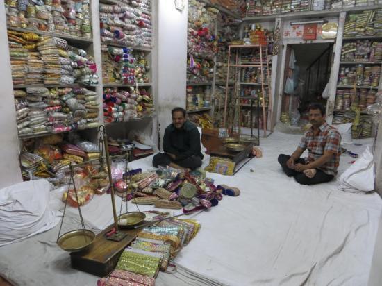 Dans le bazaar d'UDAIPUR