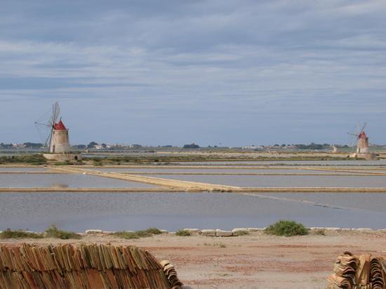 MARSALA : les fameux moulins des salines