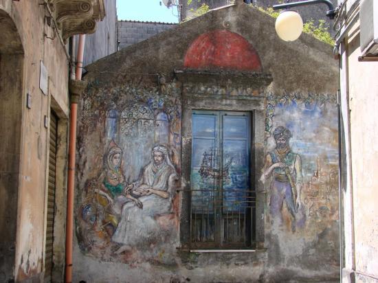 LINGUAGLOSSA, petite bourgade près de l'ETNA.